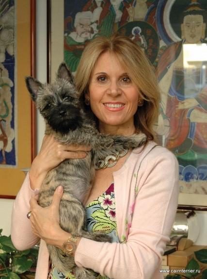 Фото владельца с щенком керн терьера питомника Еливс на руках